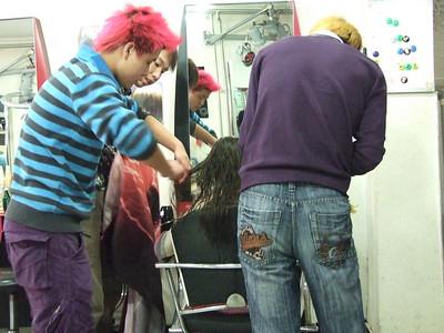 Claire chez le coiffeur