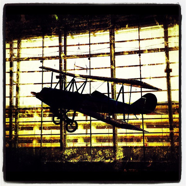 Even Planes Hang Out. #seattle #seatac