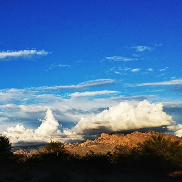 "#tucson#az#arizona#igerstucson#instagramaz #az365#azgrammers#instaaz#igersaz#igersarizona #azcentral#arizonalife#aznature#azscenery #desertscenery#azdesert#clouds#sky #catalinamountains#azwx via Instagram <a href=""http://ift.tt/KQfWRJ"">http://ift.tt/KQfWRJ</a>"
