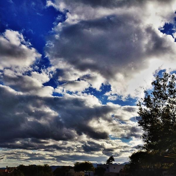 """#tucson#az#arizona#igerstucson#instagramaz #az365#azgrammers#instaaz#igersaz#igersarizona #azcentral#arizonalife#aznature#azscenery #desertscenery#azdesert#clouds#sky #cpc via Instagram <a href=""""http://ift.tt/1kS4Dtg"""">http://ift.tt/1kS4Dtg</a>"""