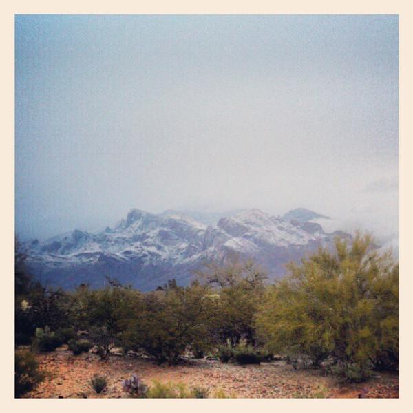 "#clouds #tucson #az #catalinamountains #snow via Instagram <a href=""http://instagr.am/p/VnJ_vSiihp/"">http://instagr.am/p/VnJ_vSiihp/</a>"
