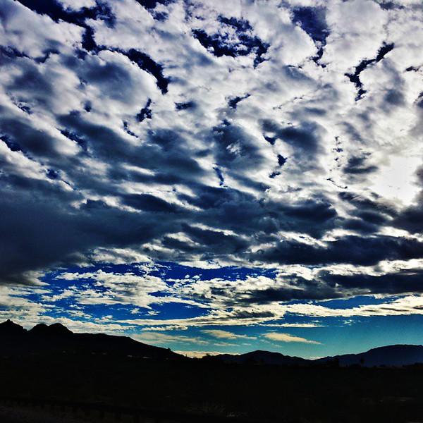 """#tucson #az #arizona #igerstucson #instagramaz #az365 #azgrammers #instaaz #igersaz #igersarizona #azcentral #arizonalife #aznature #azscenery #desertscenery #azdesert #clouds #sky #azwx #cpc via Instagram <a href=""""http://ift.tt/1rXGHS6"""">http://ift.tt/1rXGHS6</a>"""