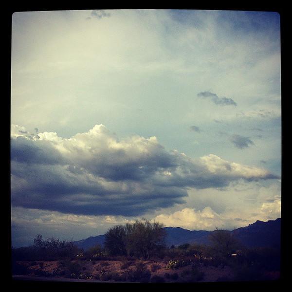 "#tucson #arizona #az #igerstucson #instagramaz #clouds via Instagram <a href=""http://instagram.com/p/bzyxwdiii4/"">http://instagram.com/p/bzyxwdiii4/</a>"