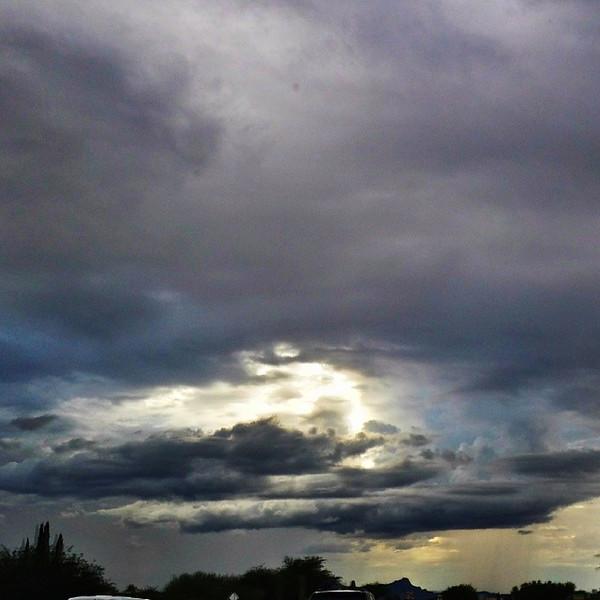 "#tucson#az#arizona#igerstucson#instagramaz #az365#azgrammers#instaaz#igersaz#igersarizona #azcentral#arizonalife#aznature#azscenery #desertscenery#azdesert#clouds#sky via Instagram <a href=""http://instagram.com/p/hgTLSgiiuT/"">http://instagram.com/p/hgTLSgiiuT/</a>"