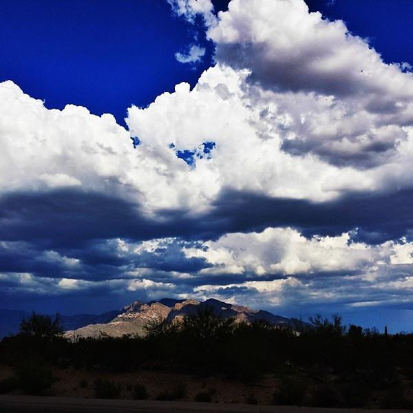 "#tucson#az#arizona#igerstucson#instagramaz #az365#azgrammers#instaaz#igersaz#igersarizona #azcentral#arizonalife#aznature#azscenery #desertscenery#azdesert#clouds#sky #catalinamountains#azwx via Instagram <a href=""http://instagram.com/p/gayCwkiigL/"">http://instagram.com/p/gayCwkiigL/</a>"
