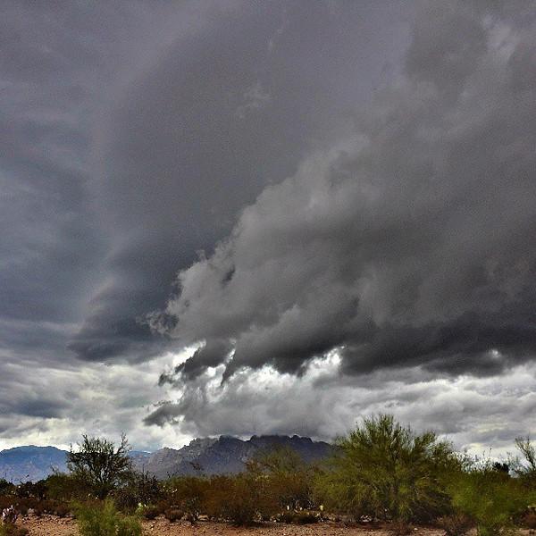 "#tucson #arizona #az #igerstucson #instagramaz #clouds via Instagram <a href=""http://instagram.com/p/cNrFwuiivA/"">http://instagram.com/p/cNrFwuiivA/</a>"