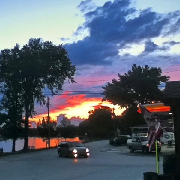 Sunset fades away. #scenery #lake #sunset #btv #VT