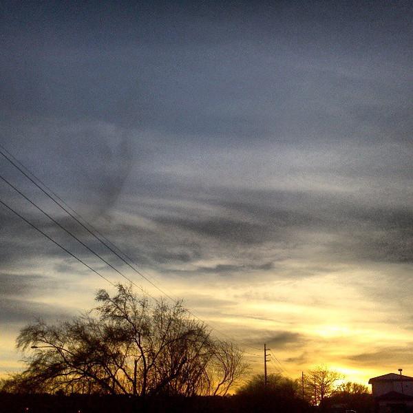 """#clouds #sky #tucson #az #sunset via Instagram <a href=""""http://instagr.am/p/XD5DgYCikf/"""">http://instagr.am/p/XD5DgYCikf/</a>"""