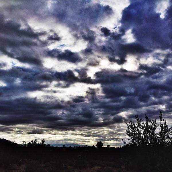 """#tucson#az#arizona#igerstucson#instagramaz #az365#azgrammers#instaaz#igersaz#igersarizona #azcentral#arizonalife#aznature#azscenery #desertscenery#azdesert#clouds#sky#azwx #cpc via Instagram <a href=""""http://ift.tt/1mz1GdK"""">http://ift.tt/1mz1GdK</a>"""