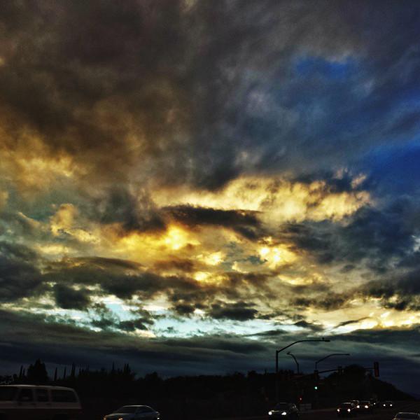 """#tucson #az #arizona #igerstucson #instagramaz #az365 #azgrammers #instaaz #igersaz #igersarizona #azcentral #arizonalife #aznature #azscenery #desertscenery #azdesert #clouds #sky #azwx #cpc via Instagram <a href=""""http://ift.tt/1smDDV1"""">http://ift.tt/1smDDV1</a>"""