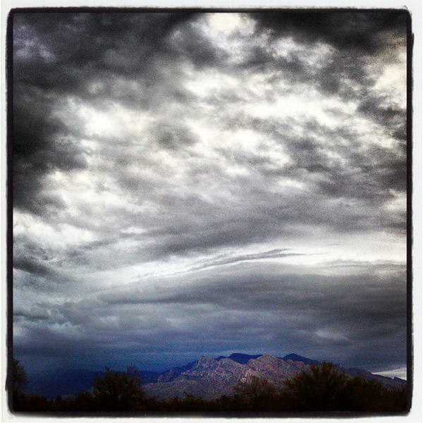 "#clouds #sky #tucson #az #catalinamountains via Instagram <a href=""http://instagr.am/p/Wmi5d4iikv/"">http://instagr.am/p/Wmi5d4iikv/</a>"
