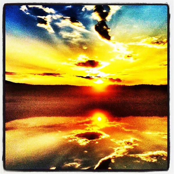 Sunrise reflection over Lake Arrowhead. #miltonvt #vt