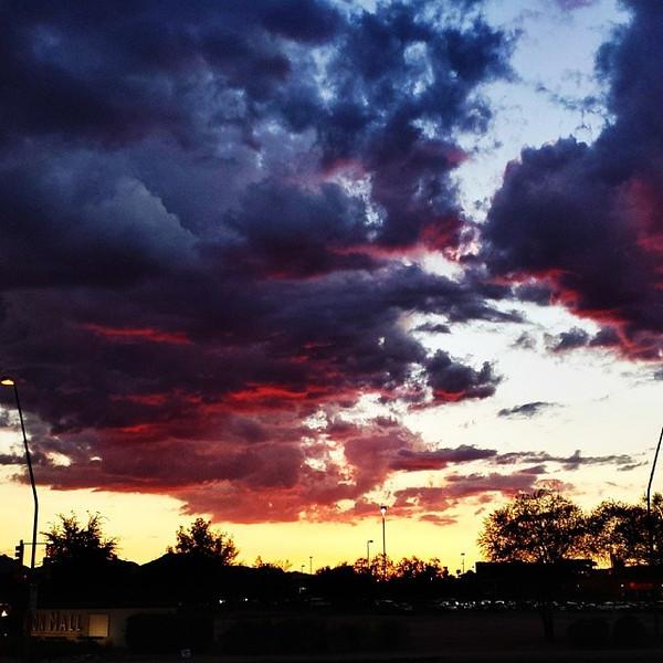 "#tucson#az#arizona#igerstucson#instagramaz #az365#azgrammers#instaaz#igersaz#igersarizona #azcentral#arizonalife#aznature#azscenery #desertscenery#azdesert#clouds#sky via Instagram <a href=""http://instagram.com/p/i_jUHjCikF/"">http://instagram.com/p/i_jUHjCikF/</a>"