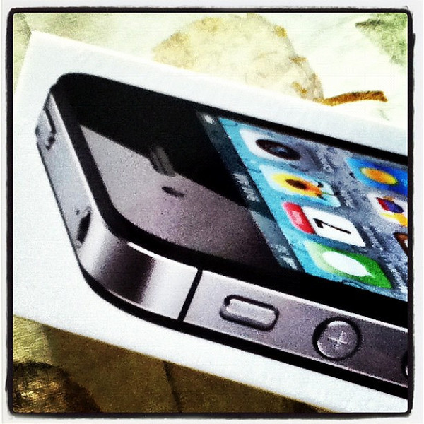 My new sweetheart! #iphone #iphone4s