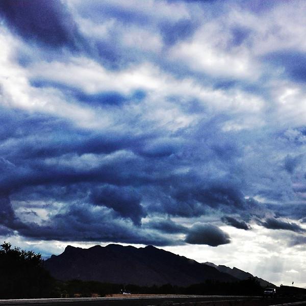 "#tucson#az#arizona#igerstucson#instagramaz #az365#azgrammers#instaaz#igersaz#igersarizona #azcentral#arizonalife#aznature#azscenery #desertscenery#azdesert#clouds#sky via Instagram <a href=""http://ift.tt/1iAz3f4"">http://ift.tt/1iAz3f4</a>"