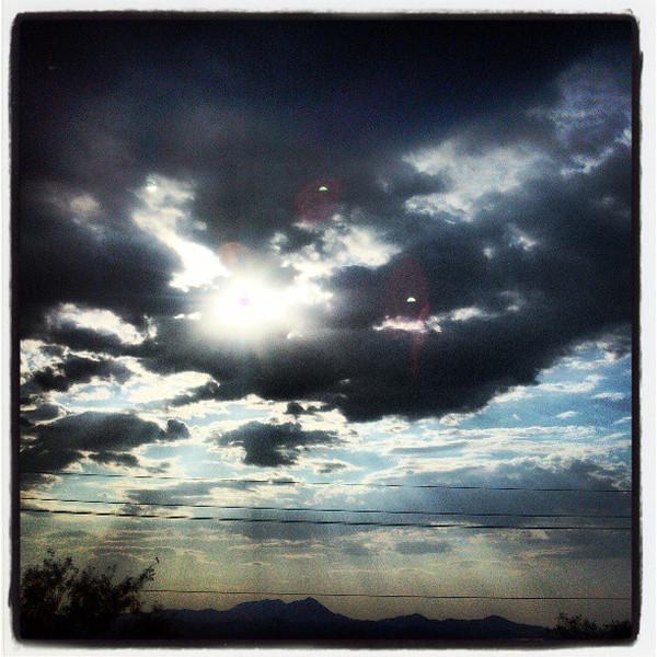 "#clouds #sky #tucson #arizona #az #igerstucson #instagramaz via Instagram <a href=""http://instagram.com/p/bKdziZCiiq/"">http://instagram.com/p/bKdziZCiiq/</a>"