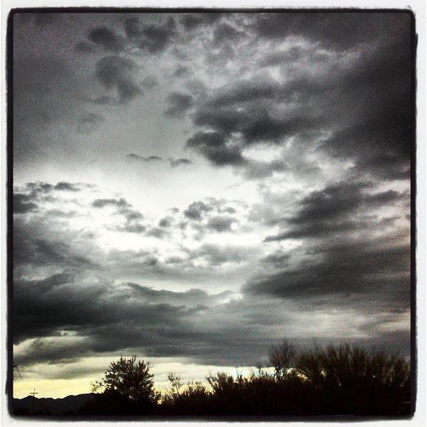 "#clouds #sky #tucson #az via Instagram <a href=""http://instagr.am/p/WnFTHpCiv_/"">http://instagr.am/p/WnFTHpCiv_/</a>"