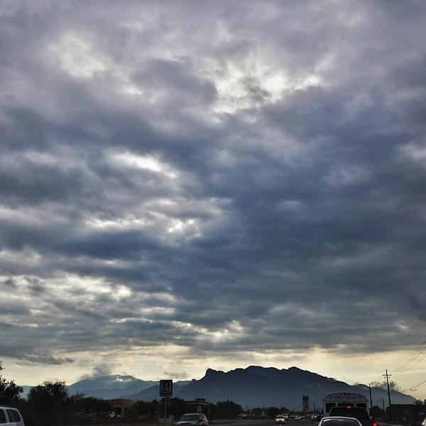 "#tucson #az #arizona #igerstucson #instagramaz #az365 #azgrammers #instaaz #igersaz #igersarizona #azcentral #arizonalife #aznature #azscenery #desertscenery #azdesert #clouds #sky #catalinamountains via Instagram <a href=""http://instagram.com/p/dUgBkyiimy/"">http://instagram.com/p/dUgBkyiimy/</a>"