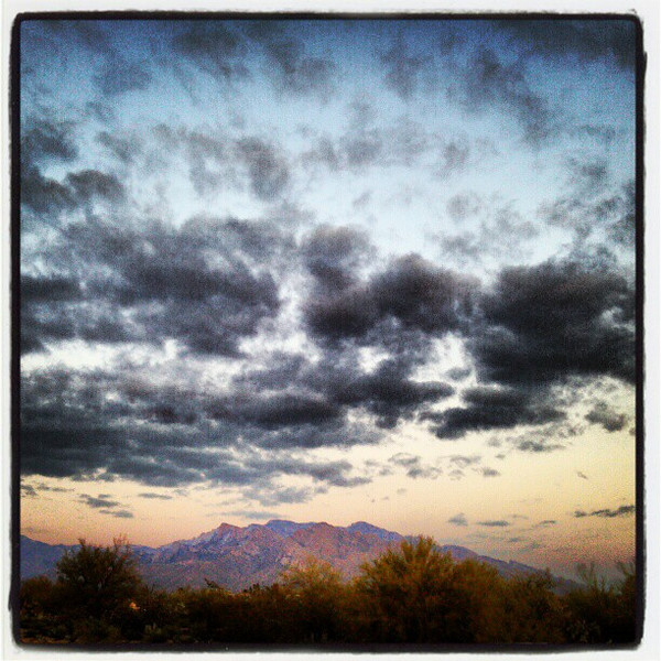 "#clouds #sky #tucson #az #catalinamountains via Instagram <a href=""http://instagr.am/p/VpyDy-iivC/"">http://instagr.am/p/VpyDy-iivC/</a>"