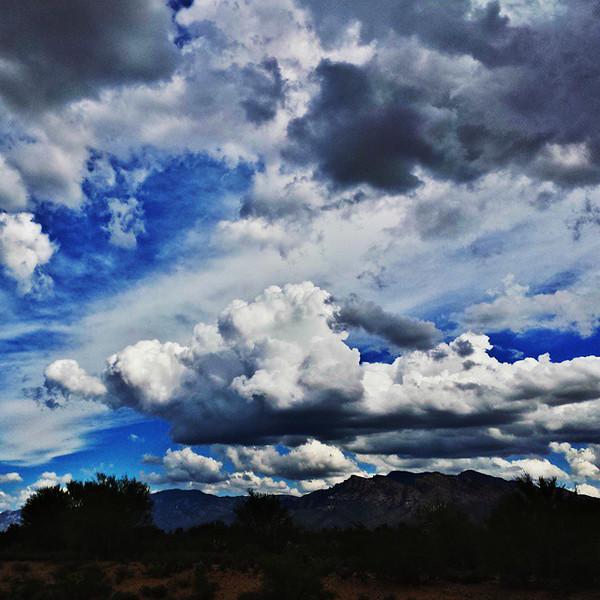 "#tucson #az #arizona #igerstucson #instagramaz #az365 #azgrammers #instaaz #igersaz #igersarizona #azcentral #arizonalife #aznature #azscenery #desertscenery #azdesert #clouds #sky #catalinamountains #azwx #cpc via Instagram <a href=""http://ift.tt/1wttJjh"">http://ift.tt/1wttJjh</a>"