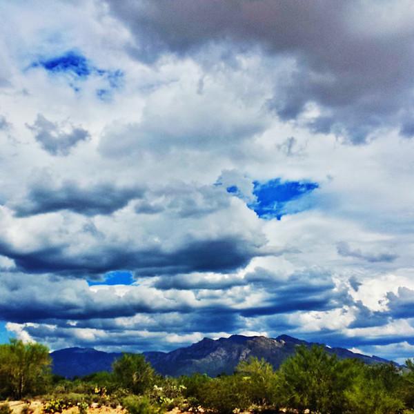 """#tucson #az #arizona #igerstucson #instagramaz #az365 #azgrammers #instaaz #igersaz #igersarizona #azcentral #arizonalife #aznature #azscenery #desertscenery #azdesert #clouds #sky #catalinamountains #azwx #cpc via Instagram <a href=""""http://ift.tt/YHNngg"""">http://ift.tt/YHNngg</a>"""