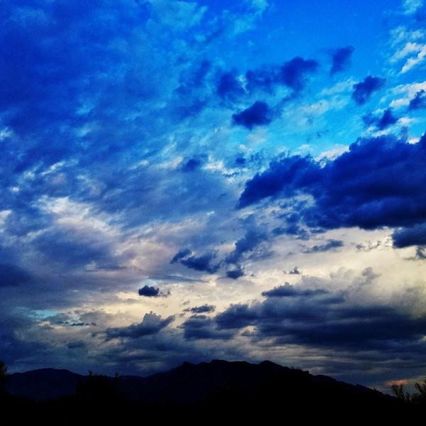 "#tucson#az#arizona#igerstucson#instagramaz #az365#azgrammers#instaaz#igersaz#igersarizona #azcentral#arizonalife#aznature#azscenery #desertscenery#azdesert#clouds#sky #catalinamountains via Instagram <a href=""http://ift.tt/1bOU6Zy"">http://ift.tt/1bOU6Zy</a>"