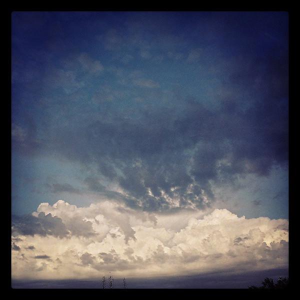 "#tucson #arizona #az #igerstucson #instagramaz #clouds via Instagram <a href=""http://instagram.com/p/bzs5pMiipB/"">http://instagram.com/p/bzs5pMiipB/</a>"