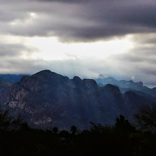 "#tucson#az#arizona#igerstucson#instagramaz #az365#azgrammers#instaaz#igersaz#igersarizona #azcentral#arizonalife#aznature#azscenery #desertscenery#azdesert#clouds#sky #catalinamountains#azwx via Instagram <a href=""http://instagram.com/p/hcQS8Kiis2/"">http://instagram.com/p/hcQS8Kiis2/</a>"