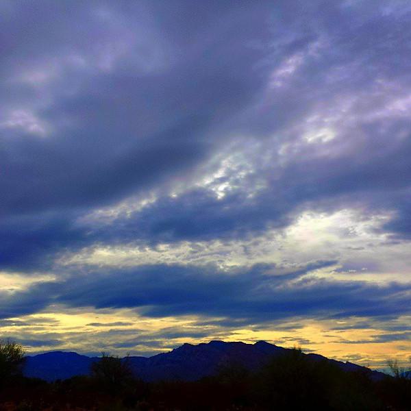 "#tucson #arizona #az #igerstucson #instagramaz #clouds via Instagram <a href=""http://instagram.com/p/b858xhCim8/"">http://instagram.com/p/b858xhCim8/</a>"