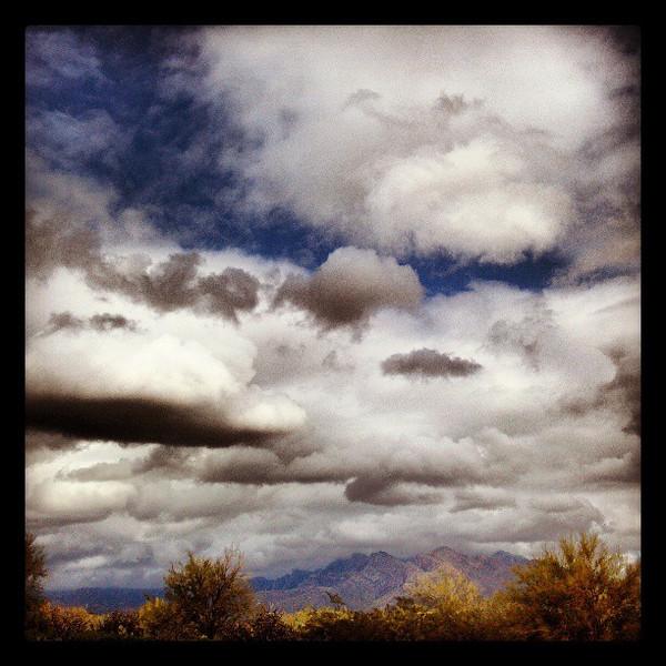 "#clouds #sky #tucson #az #catalinamountains via Instagram <a href=""http://instagr.am/p/WpwE_SCiuP/"">http://instagr.am/p/WpwE_SCiuP/</a>"