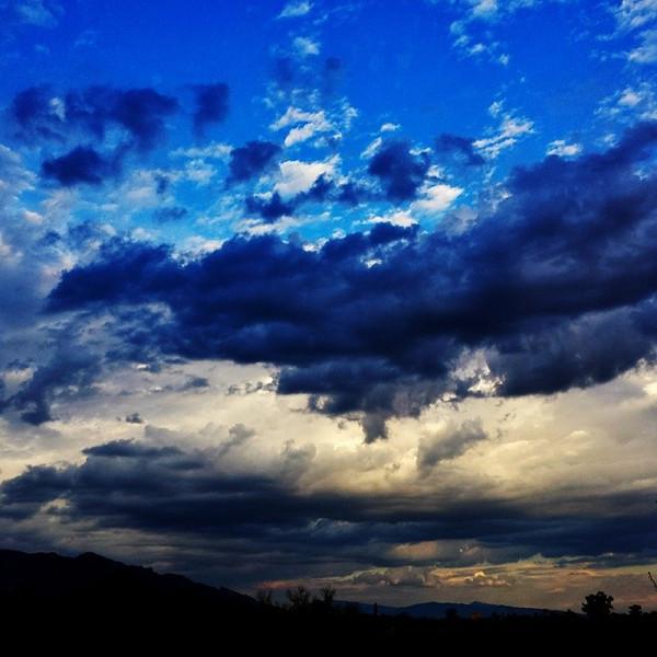 "#tucson#az#arizona#igerstucson#instagramaz #az365#azgrammers#instaaz#igersaz#igersarizona #azcentral#arizonalife#aznature#azscenery #desertscenery#azdesert#clouds#sky #catalinamountains via Instagram <a href=""http://ift.tt/1aHODQw"">http://ift.tt/1aHODQw</a>"