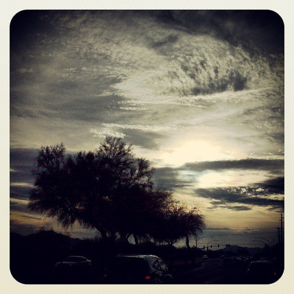 "#clouds #sky #tucson #az #sunset via Instagram <a href=""http://instagr.am/p/XGYeajiiqU/"">http://instagr.am/p/XGYeajiiqU/</a>"