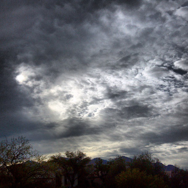 "#clouds #sky #tucson #az #catalinamountains via Instagram <a href=""http://instagram.com/p/YAllWWCiqv/"">http://instagram.com/p/YAllWWCiqv/</a>"