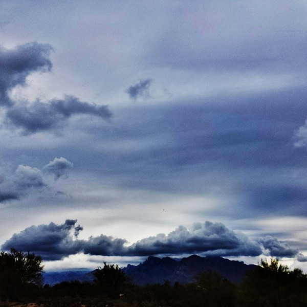"#tucson#az#arizona#igerstucson#instagramaz #az365#azgrammers#instaaz#igersaz#igersarizona #azcentral#arizonalife#aznature#azscenery #desertscenery#azdesert#clouds#sky #catalinamountains#azwx #cpc via Instagram <a href=""http://ift.tt/STCGVJ"">http://ift.tt/STCGVJ</a>"