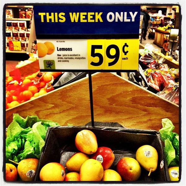 Sign Fail. Don't look like lemons to me!! #milton #btv #sign