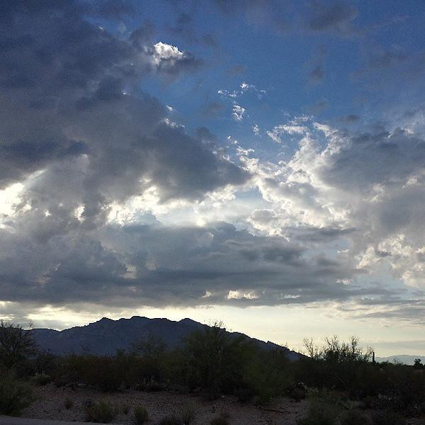"#tucson #arizona #az #igerstucson #instagramaz #clouds via Instagram <a href=""http://instagram.com/p/bztJB6iipY/"">http://instagram.com/p/bztJB6iipY/</a>"