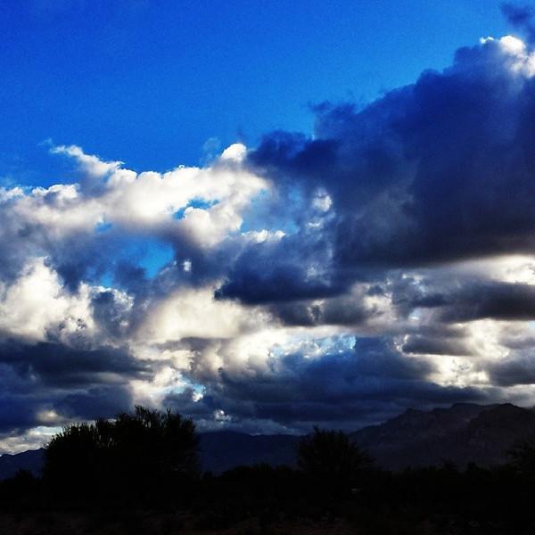 "#tucson#az#arizona#igerstucson#instagramaz #az365#azgrammers#instaaz#igersaz#igersarizona #azcentral#arizonalife#aznature#azscenery #desertscenery#azdesert#clouds#sky #catalinamountains via Instagram <a href=""http://ift.tt/1e4ys01"">http://ift.tt/1e4ys01</a>"