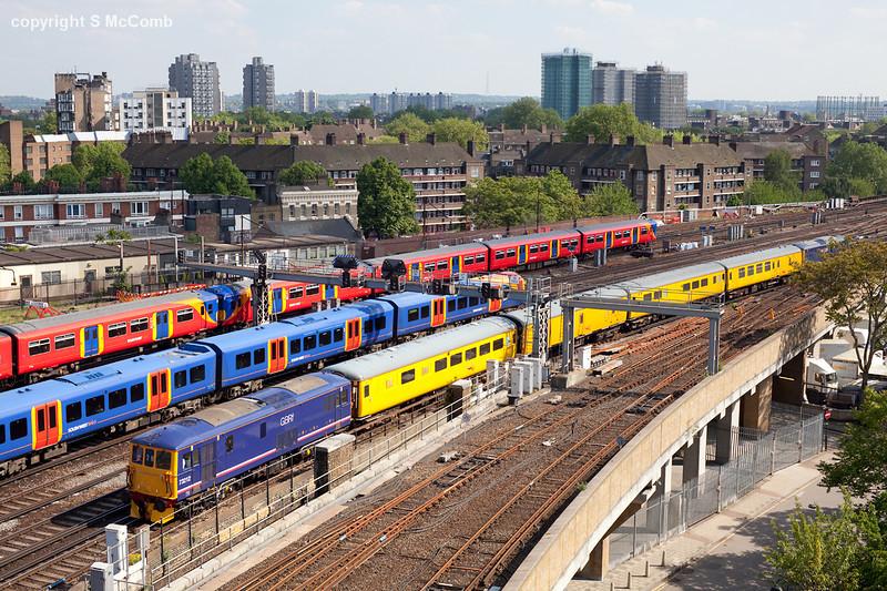 73212 arrives at London Waterloo with the 1Q26 Selhurst-Selhurst via Shepperton Network rail measurement train. 2.6.10