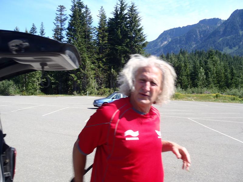 Harper, warming up his Joe Cocker impersonation during the pre-ride primp-fest.