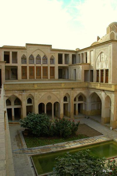 restored residence kashan
