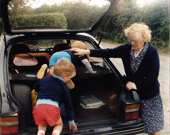 Nan with Brian & Niall getting into the car
