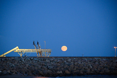 moon over kilmore quay - 1
