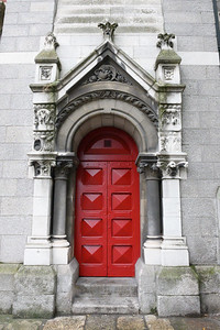 st ann's church's red door