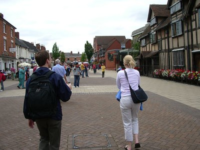 Chris & Erika walk the cobblestones of Stratford