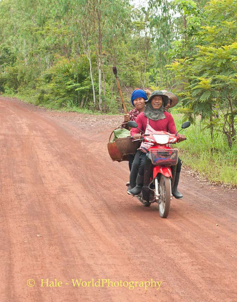Lao Loum Farmers Headed Back to Work