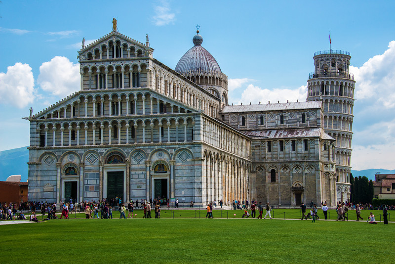 Excel_Cathedral and Tower in Pisa Italy_8000473