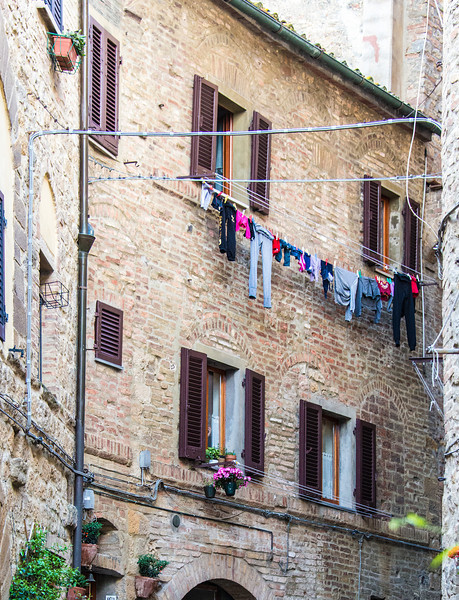 Laundry Day_Volterra_8000396