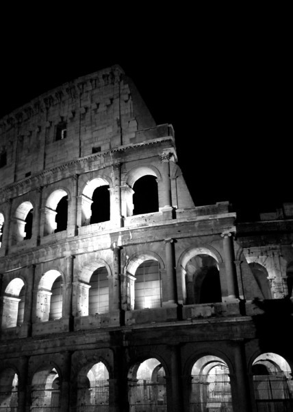 The Roman Colosseum built before <br /> 100 AD, is still a magnificent <br /> structure that should be seen <br /> day and night.