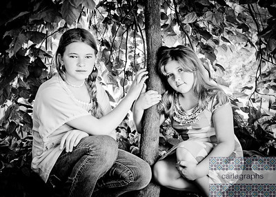 Girls Framed by Tree bw-