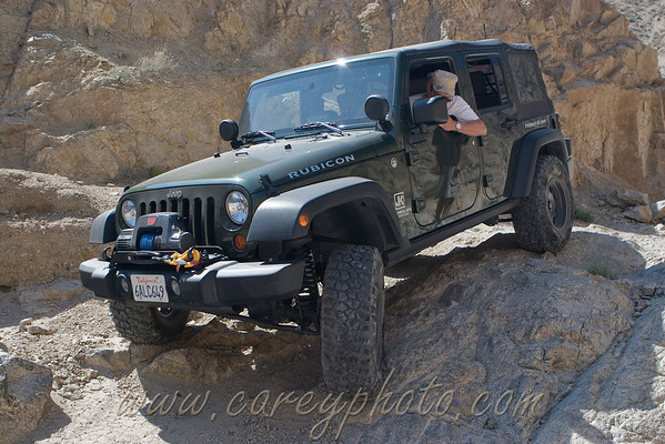 jkPirate heading back down into the wash in Last Chance Canyon